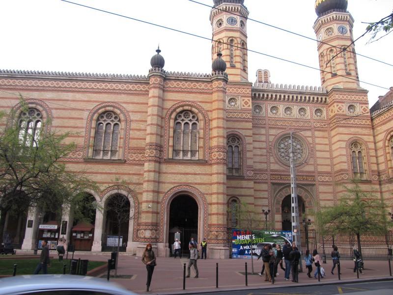 Židovská synagóga- budova, ktorá návštevníka mesta upúta už z veľkej diaľky.