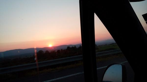 Pekný západ slnka cestou domou